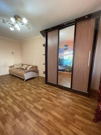 Продам двухкомнатную квартиру в хорошем доме на Ильфа и Петрова/Вильям