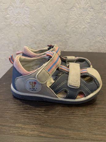 Взуття розмір 24