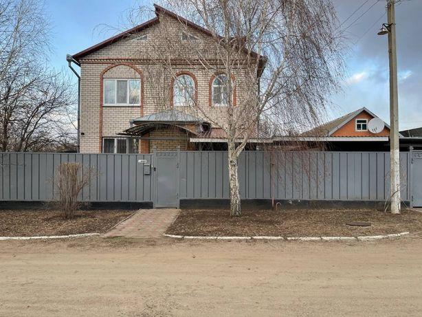 Продается двухэтажный дом р.н мединстетута