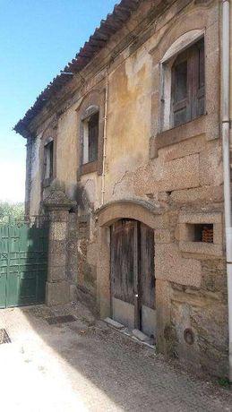 Casa do século XIX em pedra - Vila Flor