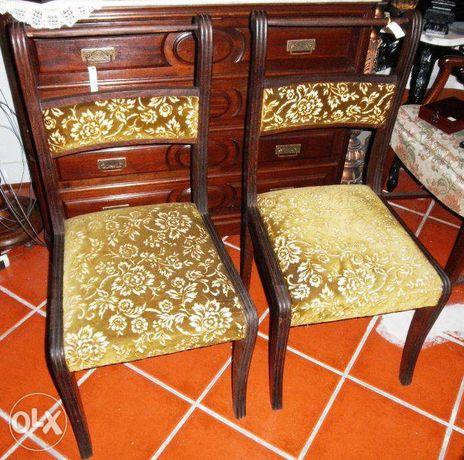 Cadeiras Pau Santo