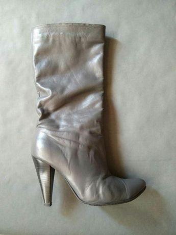 Осенние женские кожаные серые сапоги, каблук 8см, размер 38