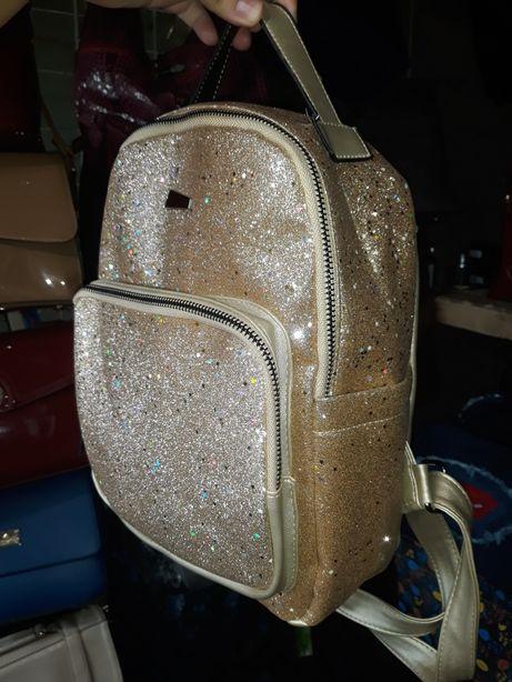Продам новый очень красивый рюкзак ранец сумка