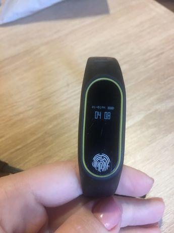 Продам  смарт часы и фитнес трекер
