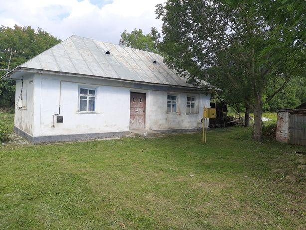 Будинок на приватизованій земельній ділянці у Демківцях Чемировецького