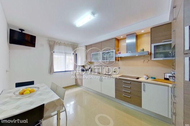 VENDIDO - Apartamento T2 3 assoalhadas com Arrecadação e Parqueamen...