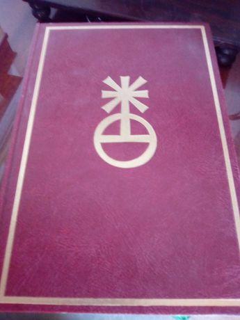 Bíblia sagrada em excelente estado de conservação