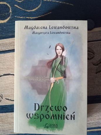 """Książka """"Drzewo wspomnień"""""""