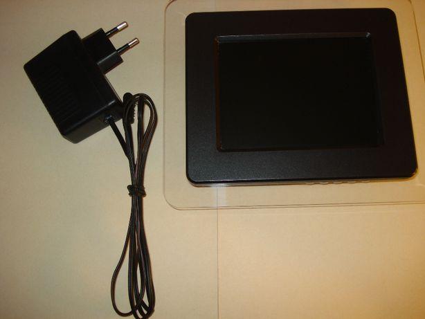 Ramka cyfrowa XIRON model DPF56TA stan bdb.