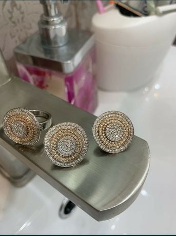 Продам бриллиантовый комплект