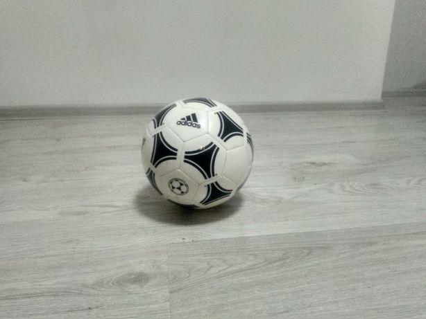 Футбольний м'яч Adidas tango Gliter