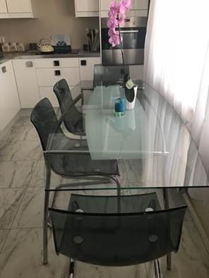 Szklany stol