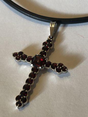 Крест серебро с гранатом