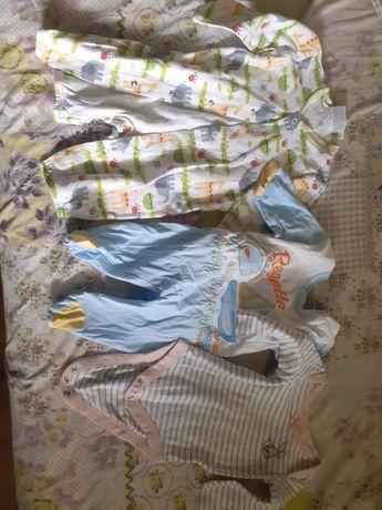 2 больших пакета одежды для малышей