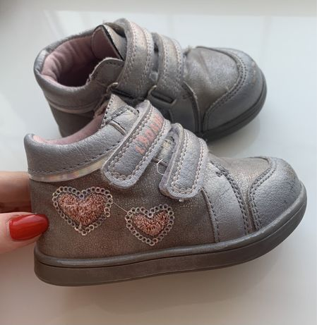 Весенние ботиночки на девочку