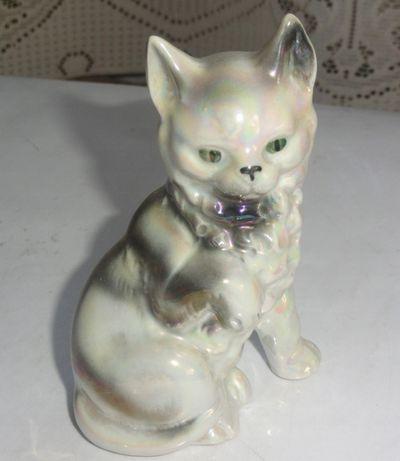 Figurka porcelanowa kot kotek