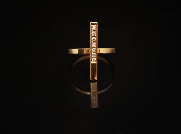 Złoto 333 - złoty pierścionek z cyrkoniami.