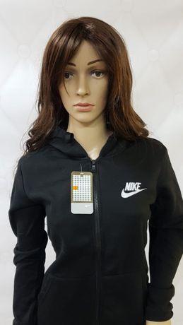 Damska bluza czerwona logowana Nike lub Adidas  M