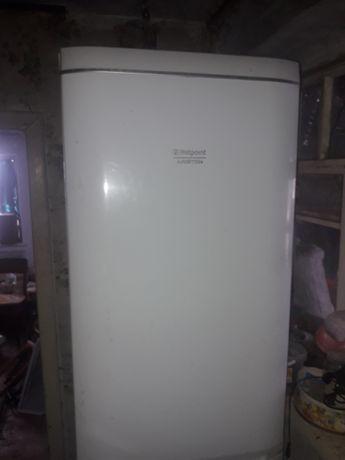 Холодильник Ariston RMBA 1185