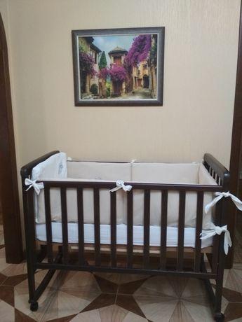 Продам классическую детскую кроватку