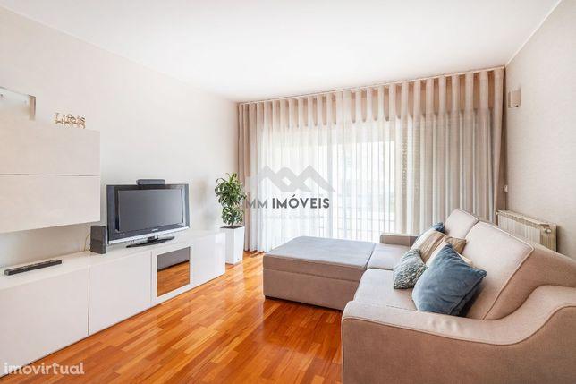 Apartamento T2 | 2 Frentes | Lug Garagem | Arrumos