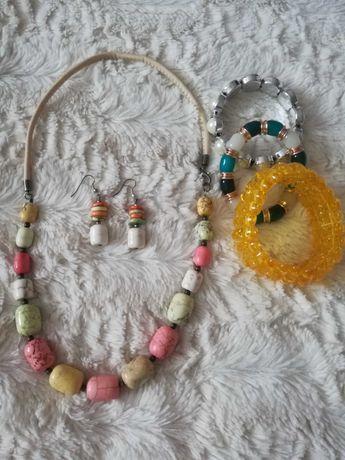 Biżuteria - naszyjnik z kolczykami i bransoletki