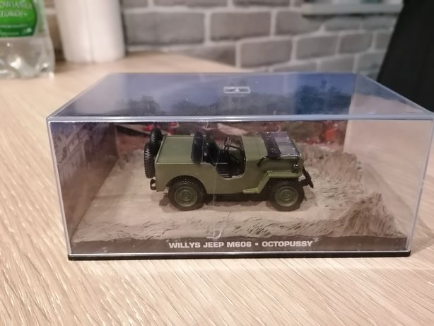 Jeep willys M606 OCTOPUSSY James bond 007 1:43