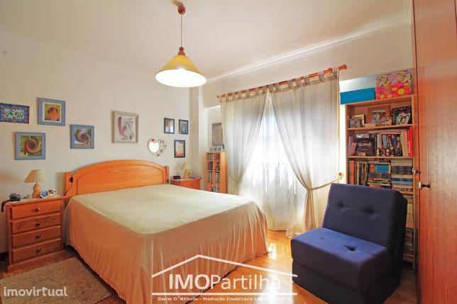 Apartamento 4 Assoalhadas Agualva - Excelentes áreas - Pronto a entrar