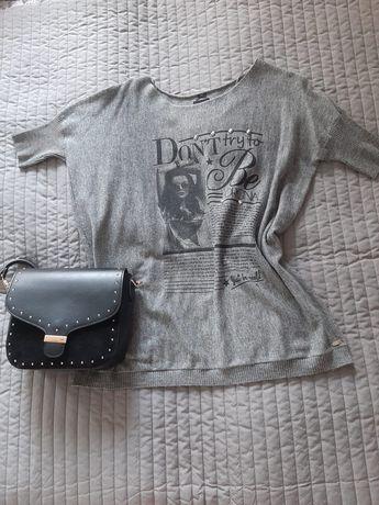 Oversizowa bluzka firmy Reserved