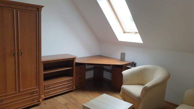 Szafa - komplet mebli oraz biurko, solidne w antycznym stylu
