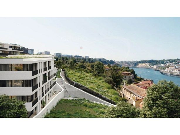 Apartamento T1 com 78.8 m2, vista rio, 2 lugares de garag...