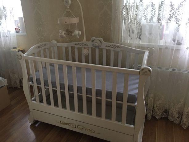 Кроватка детская из ясеня