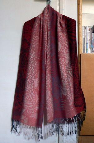 Długi czerwony szal lub chusta (NOWY)