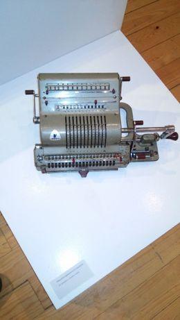 Máquina calculadora Brunsviga 20 anos 50