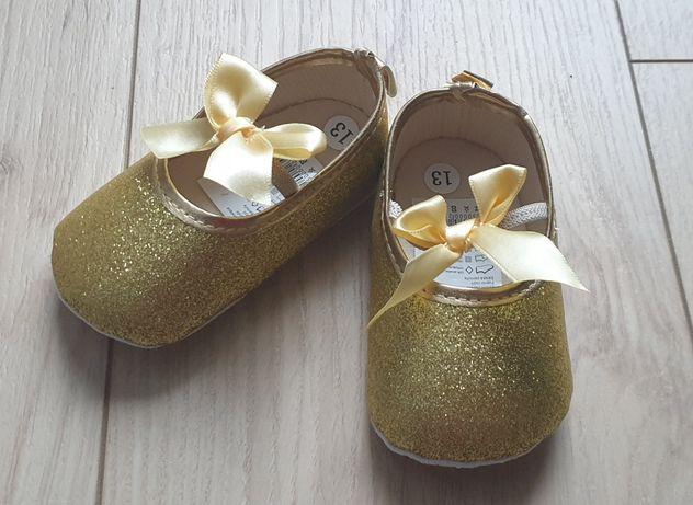 Złote buciki niechodki niemowlęce, rozmiar 13