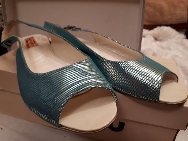 Sandałki w roz.39