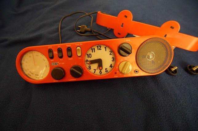 radio do kuchni z zegarem