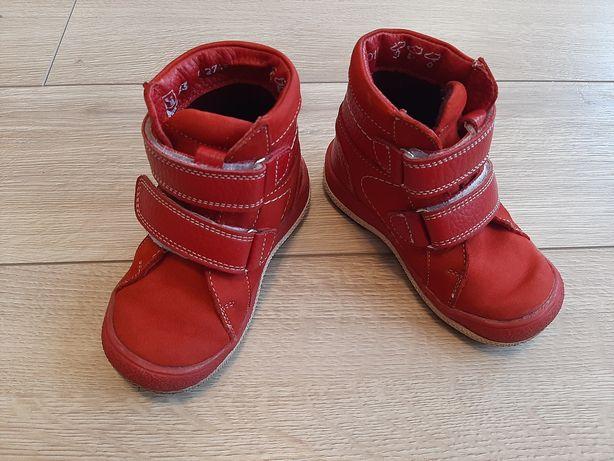 Осенние детские ботинки на девочку