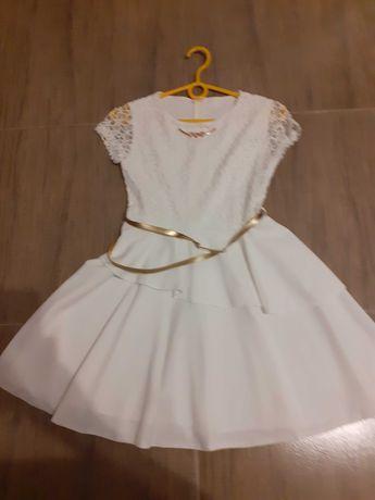 Sukieneczka na zmiane po komumi lub inne okazje. Rozmiar ok 152.