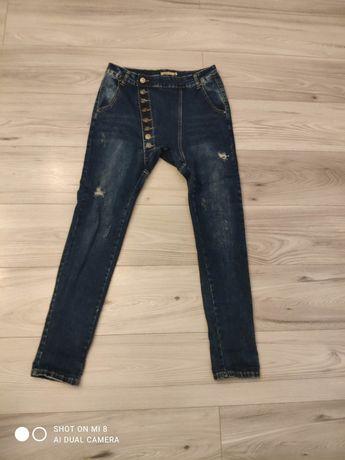 Spodnie Jeansy wyższy stan