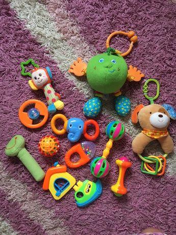 Погремушки,подвески на коляску и кроватку,игрушки