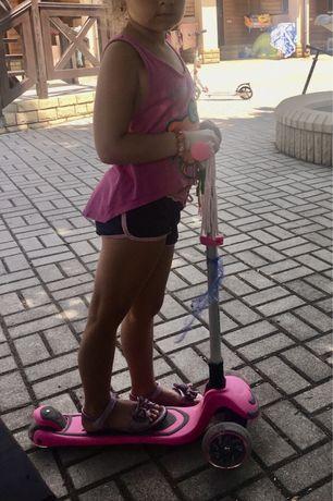Самокат для девочки розовый 3 до 7 лет