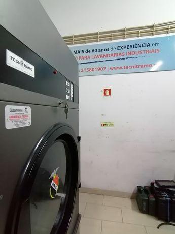 Máquinas de secar roupa industrial ou Self service