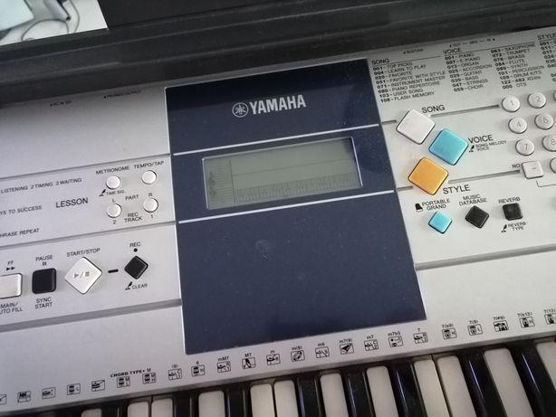 Keyboard Yamaha PSR E323 YPT320