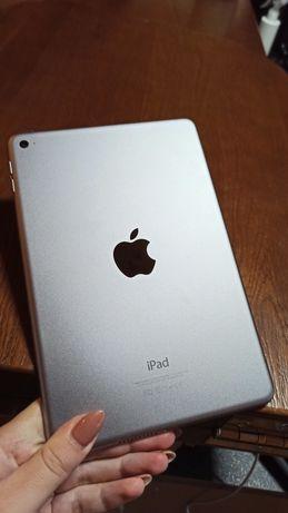 iPad mini 4 / 128Gb