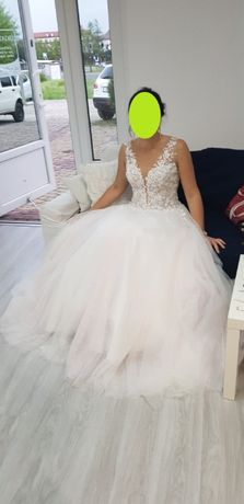 suknia ślubna literka A księżniczka
