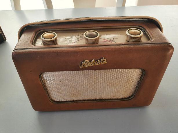 Rádio antigo (vintage) Roberts Radio R300 fabrico Reino Unido