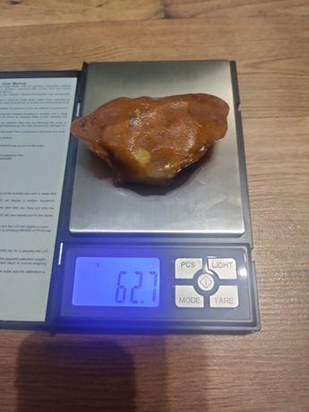 Bursztyn bałtycki surowy 62 g
