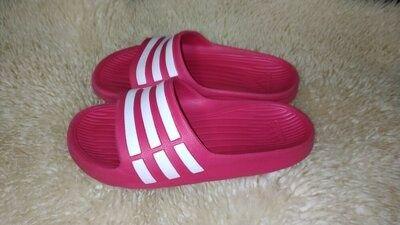 Adidas шльопанці