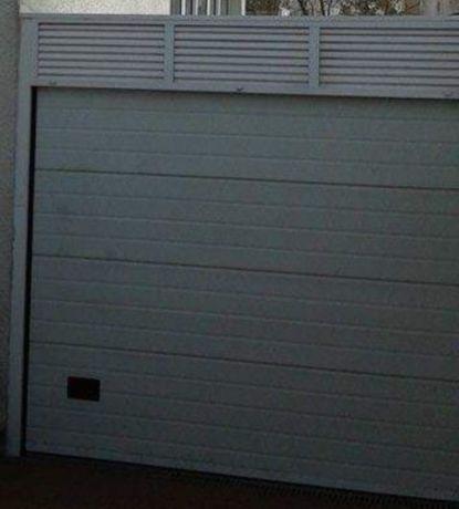 Portão garagem com motor